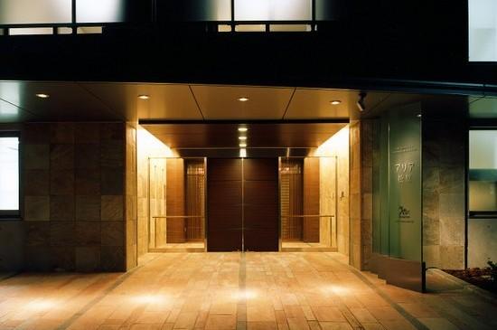 アリア松原(世田谷区、RC4F、2005年、有料老人ホーム)