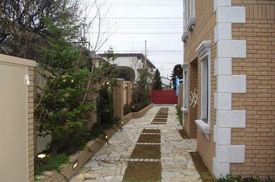 ラ・アトレ杉並松庵(杉並区、2002年、RC造地下1F地上2F、集合住宅)