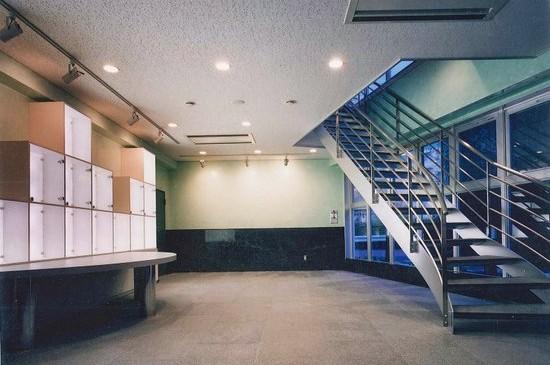 にんべんビル(神奈川県茅ケ崎市、2001年、RC5F、テナントビル)