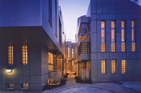 ラ・アトレ等々力(2002年、世田谷区、RC地下1地上2F、集合住宅)